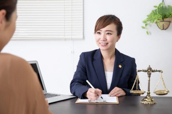 任意整理の弁護士画像
